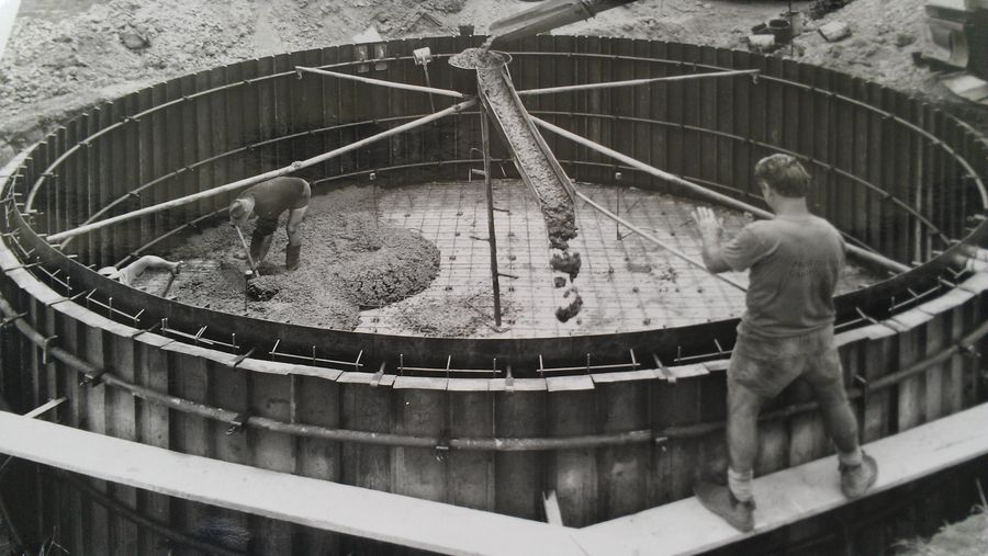 George oversees Richard as he pours a 90,000 litre Tank in 1990
